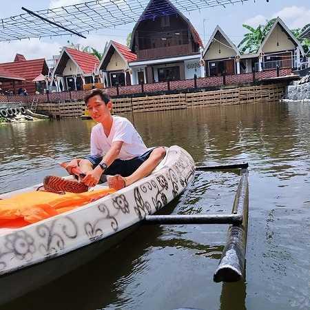 naik perahu kampung etnik kebumen