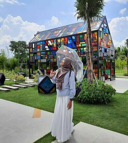 swafoto di taman mozaik wiyung surabaya