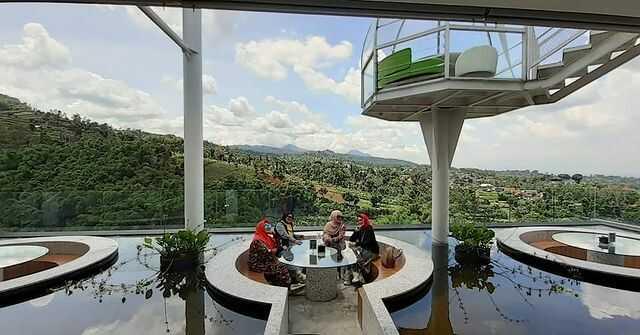 panorama sudut pandang cafe bandung